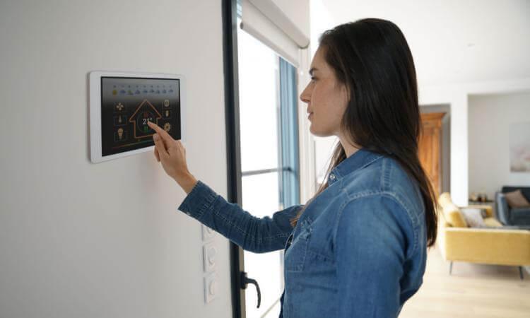 Le thermostat de bureau intelligent convient-il également pour votre maison?
