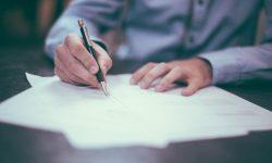 Tinne Van der Straeten veut une meilleure réglementation de la vente porte-à-porte